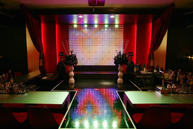 横浜のショーパブ - 横浜市内にサパークラブ、ショーパブ、オカマバ  - Yahoo!知恵袋